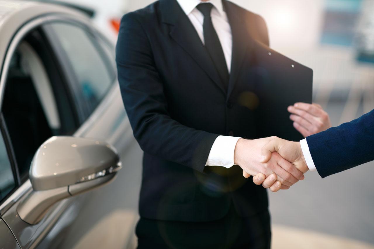 da <b>20 anni</b> siamo <b>leader</b> nel settore dell'<b>automotive</b><br>per il <b>noleggio a lungo termine</b>